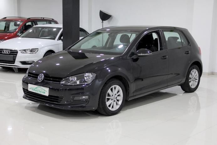 Volkswagen-GOLF VII 1.6 TDI CR BMT Advance 105 5p