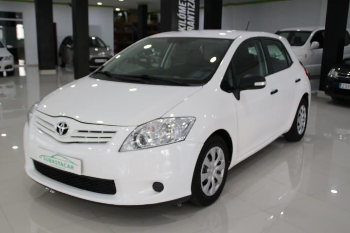 Toyota-AURIS 1.4 D-4D Live Eco 5p
