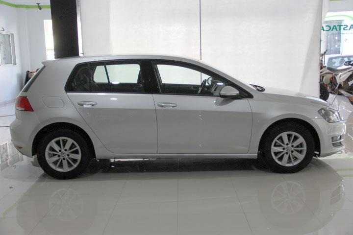 Volkswagen-GOLF VII 1.6 TDI CR BMT Edition 105 5p