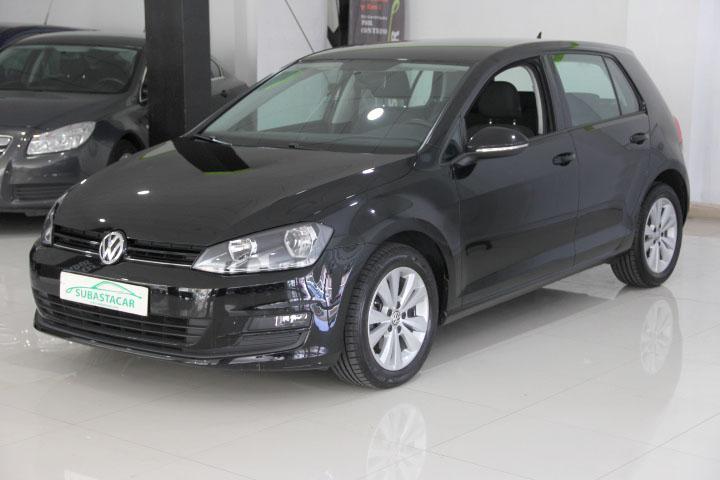 Volkswagen-Golf VII 1.6 TDi Confortline DSG BMT 105