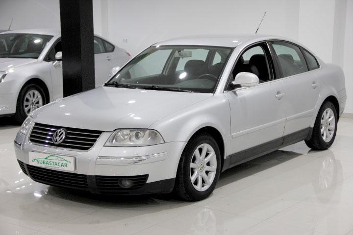 Volkswagen-PASSAT 1.9 TDI 130 Edition - Comfortline