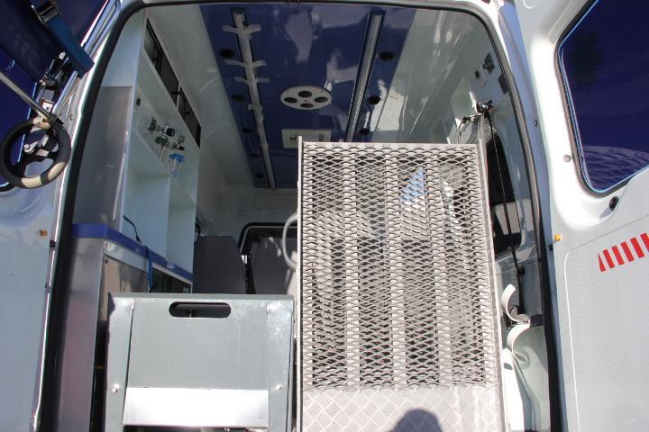 Ford-Transit FT 330M KOMBI 110CV