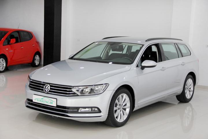 Volkswagen-PASSAT VARIANT 2.0 TDI BMT Edition 150