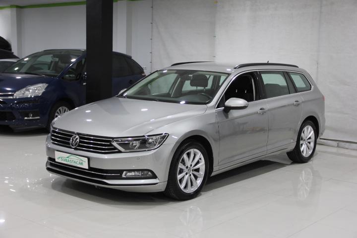 Volkswagen-PASSAT VARIANT 2.0 TDI BMT Advance DSG 150