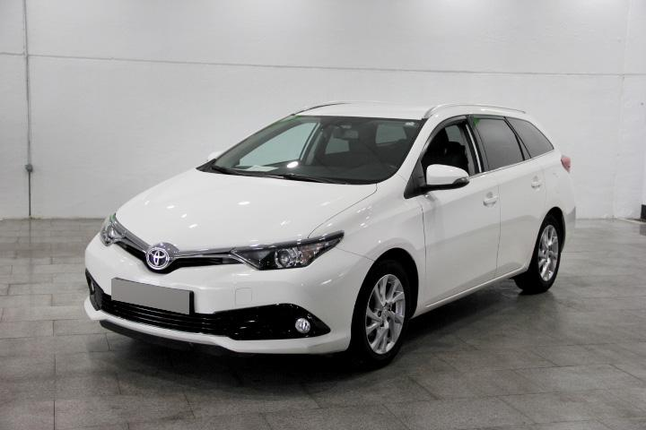 Toyota AURIS Touring Sports 115D Active (2015)
