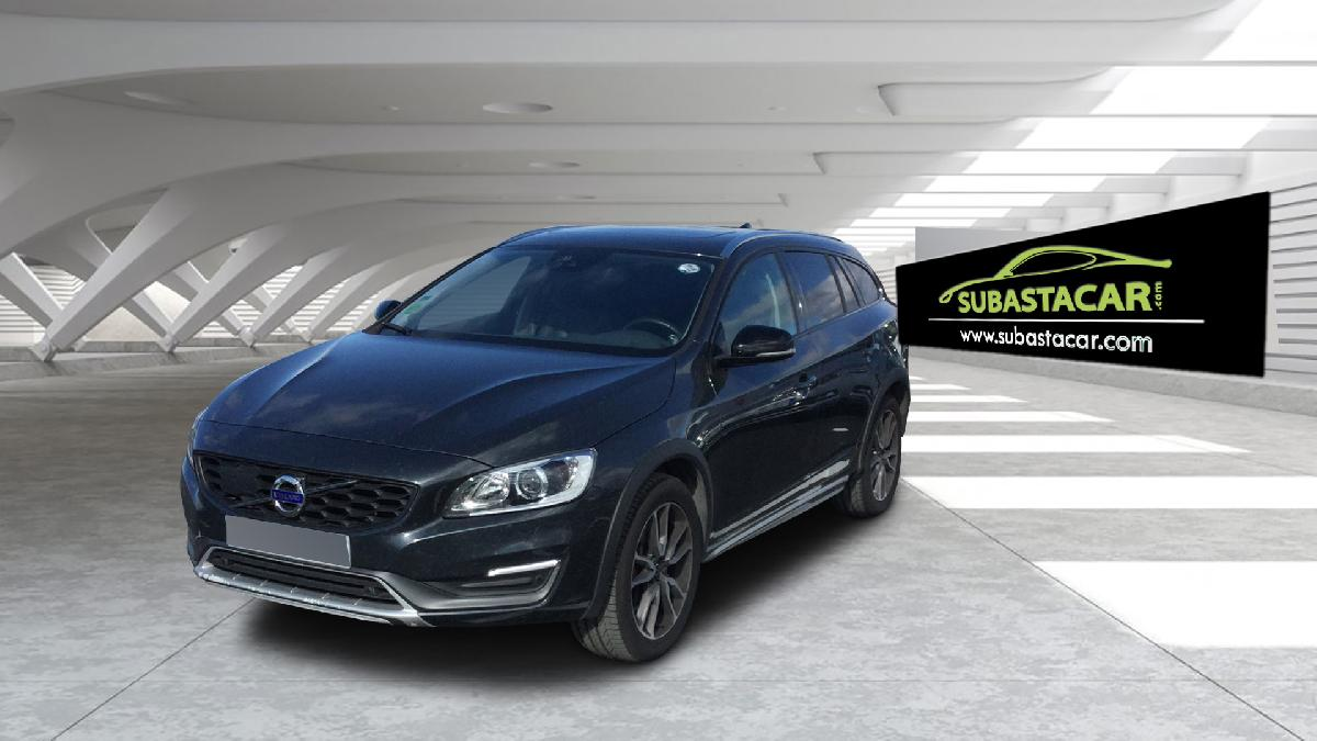 2016 Volvo V60 V60 Cross Country D4 Summum coche de segunda mano